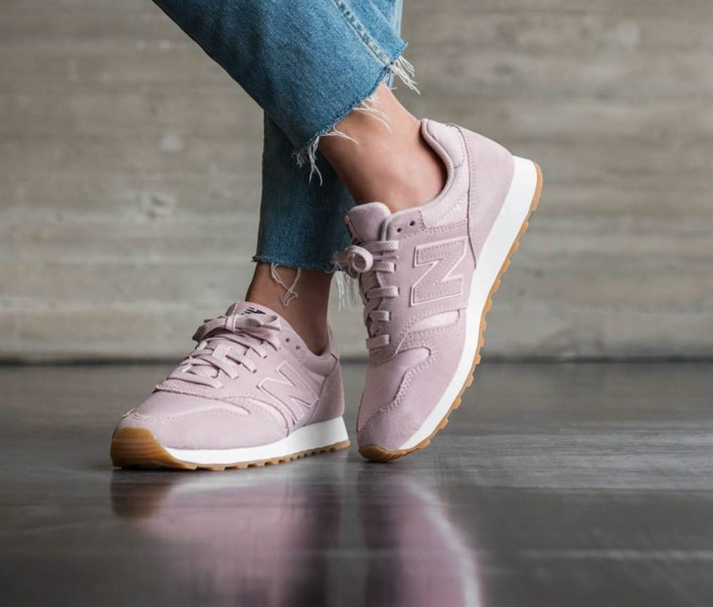 New Balance Rosa Sneakers